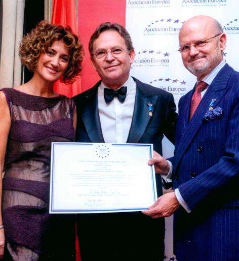 Dr. Rodríguec-Camps | Medalla de Oro al Mérito al Trabajo