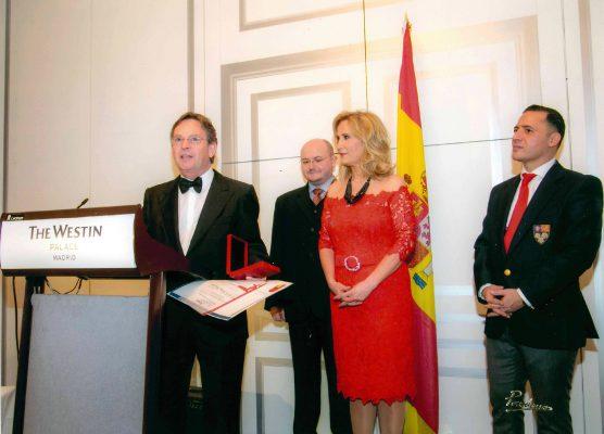 Dr. Rodríguec-Camps | Estrella de oro a la excelencia profesional