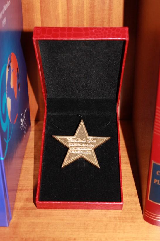 Dr. Rodríguez-Camps | Estrella de Oro del Instituto para la Excelencia Profesional